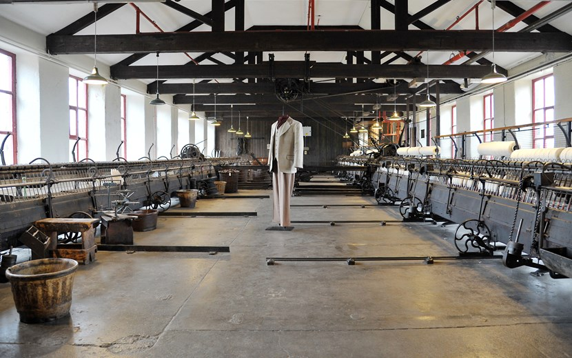 Leeds Museums and Galleries object of the week-Woollen spinning mules: dsc_4784.jpg