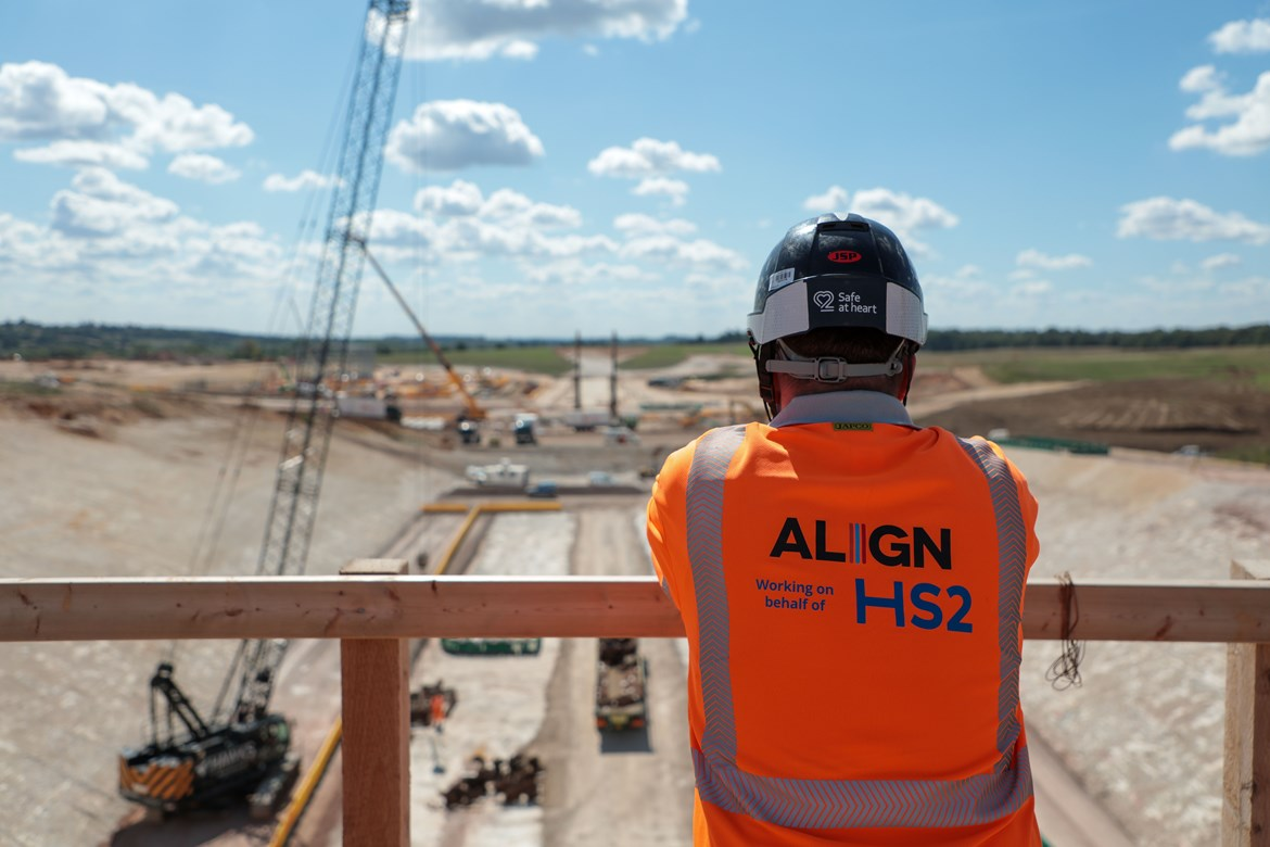 Minister leads call for small businesses to bid for work on HS2: HS2 supply chain opportunities