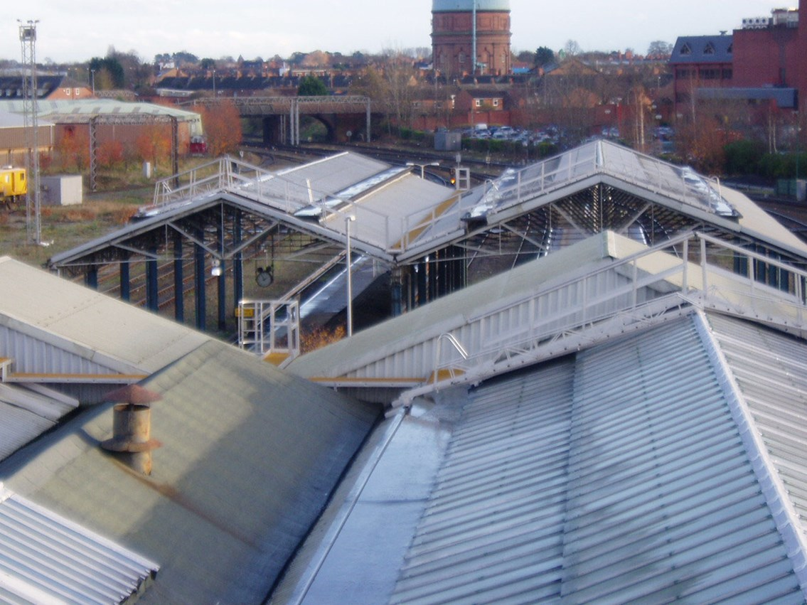 Chester station roof (02): Exterior high shot of platforms 4, 5 and 6