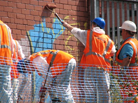 Graffiti removal at Burley Park station_002