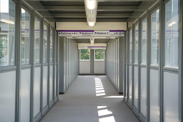 TfL Image - PN076 - West Drayton new footbridge with lifts