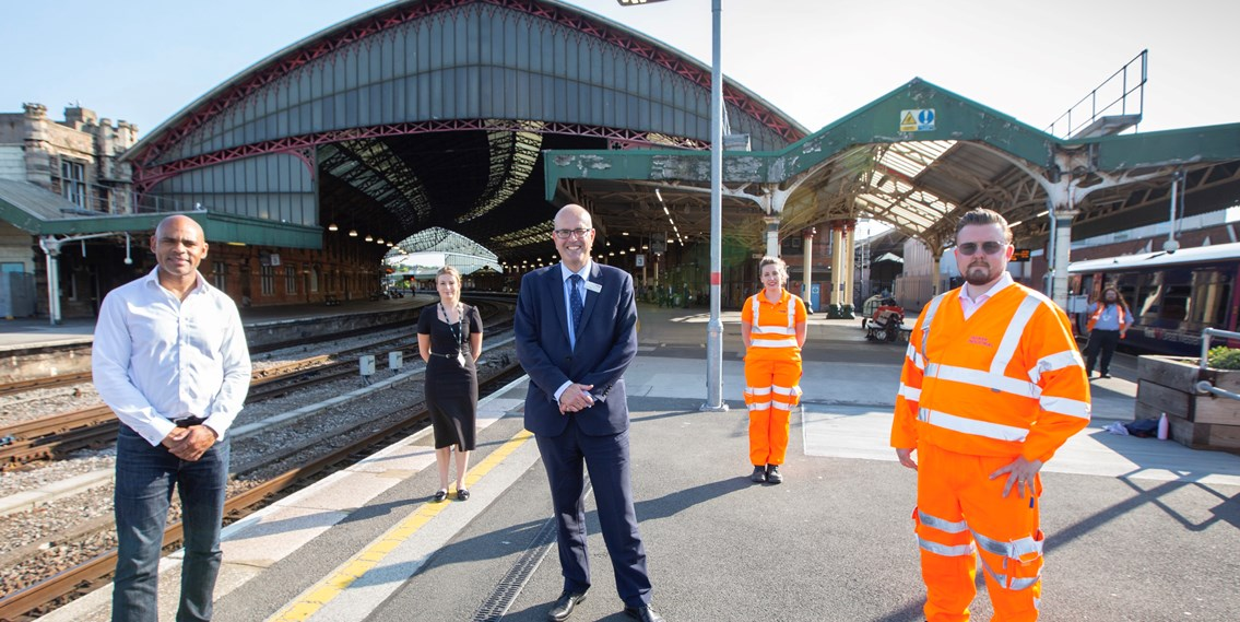 Contract signing kick-starts a cleaner, brighter future for Bristol passengers: Bristol Temple Meads - roof signing on Platform 3