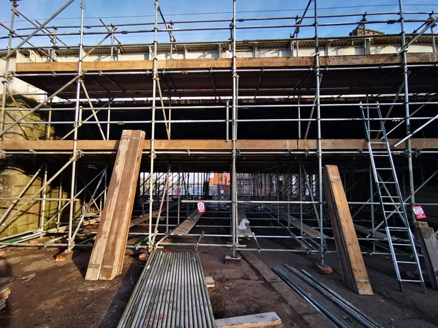 Greenock bridge refurbishment progressing well: Delingburn scaffolding pre work