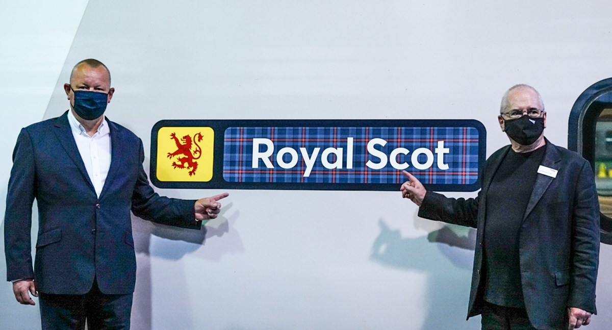 Avanti West Coast Record Run Royal Scot Nameplate: L - R: Phil Whittingham (Managing Director, Avanti West Coast) and Sir Peter Hendy (Chairman, Network Rail) with Royal Scot nameplate