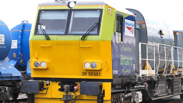 Network Rail's leaf-busting fleet will cover distance more than four times around the earth to tackle leaves on the line: Autumn treatment train-3