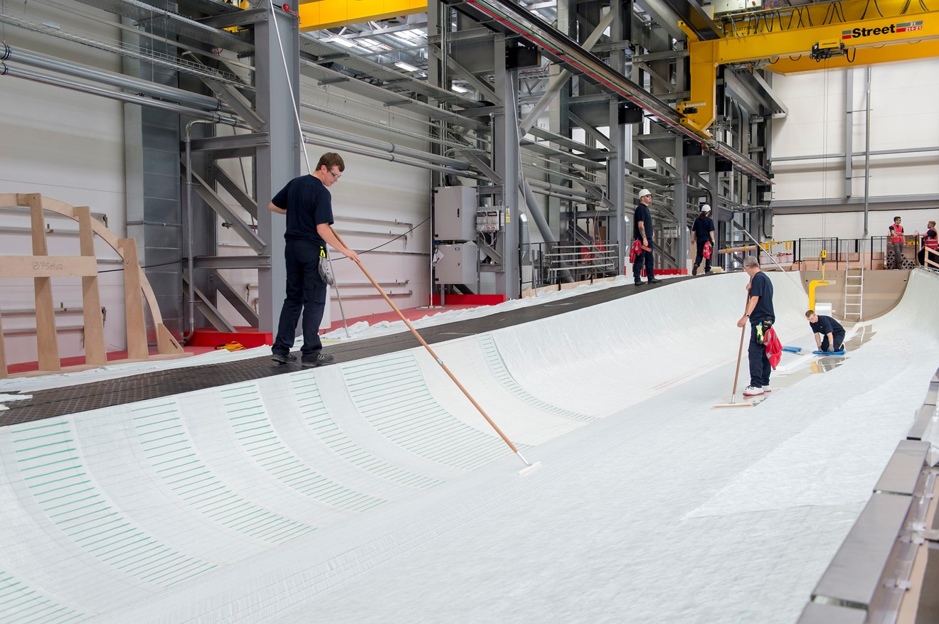 Siemens subsidiaries collaborate on major IT project to navigate winds of change: Siemens Hull factory blade mould 1