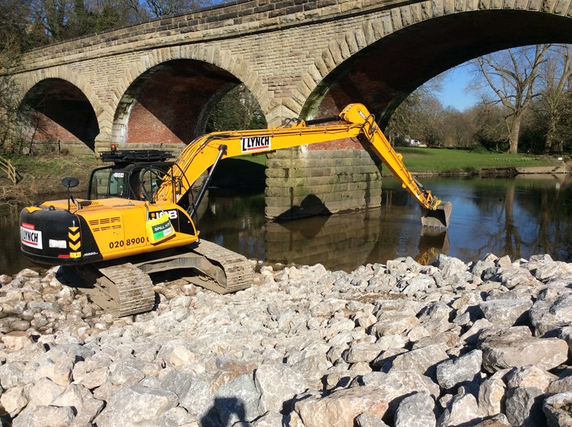 Senior councillors set to approve repair plan for flood-damaged Linton Bridge: img-0860excavatoronstonerampintotheriver.jpg