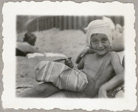 Anne Frank and Family exhibition arrives in Islington: Anne at the beach 1934. Image courtesy of the Anne Frank Trust.