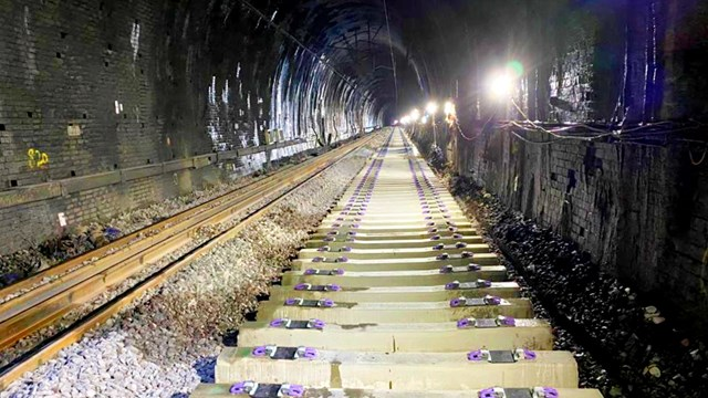 Longest tunnel closure since Victorian-era improves West Coast main line journey times: Kilsby tunnel new sleepers
