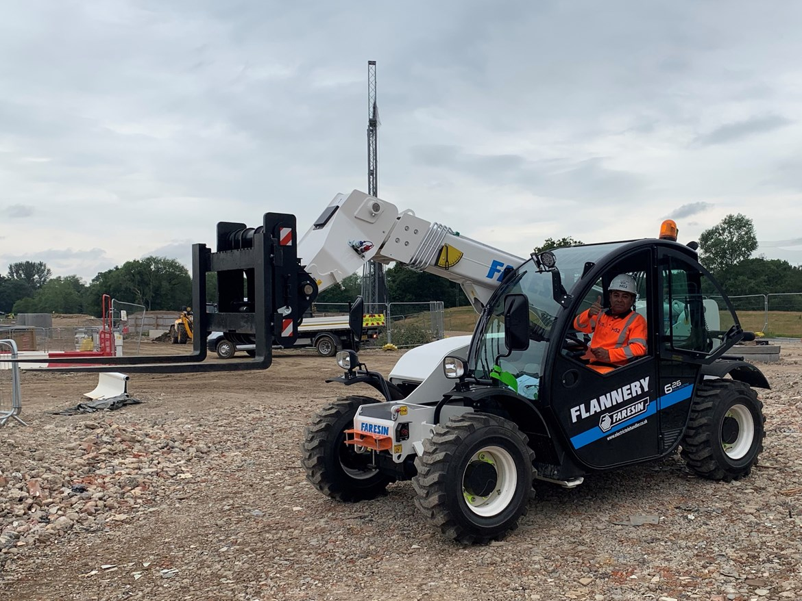 UK's first electric forklift trialled by HS2: HS2 pioneers new zero-pollution electric forklift July 2020