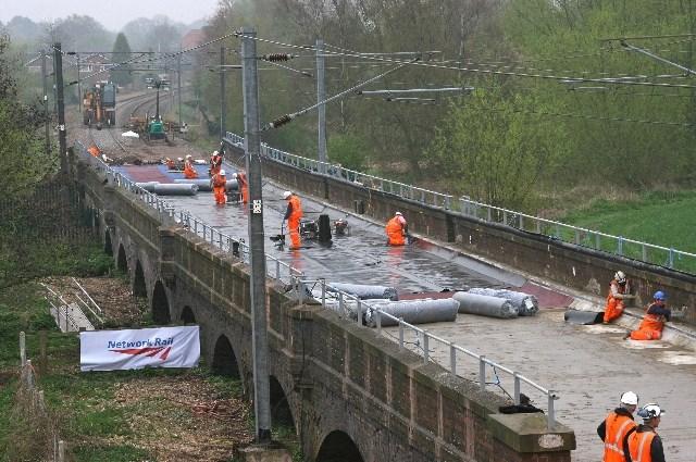 Shenstone Viaduct improvement work - Easter 09