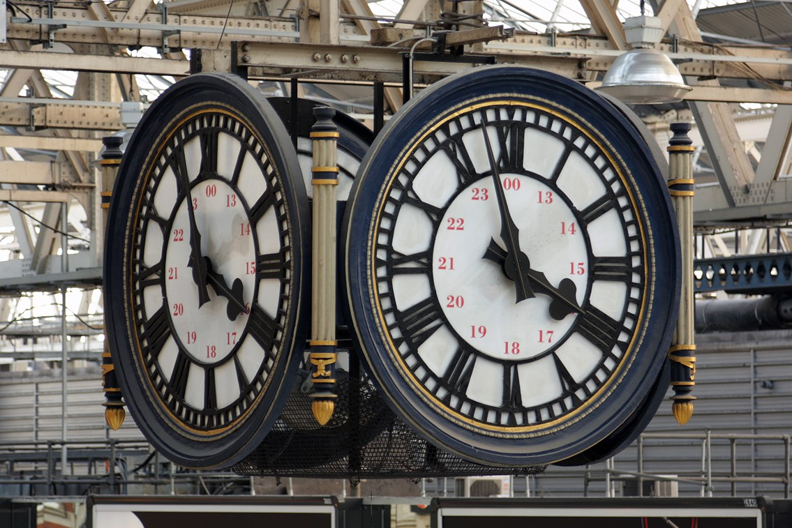TIME TO RESTORE HISTORIC WATERLOO CLOCK: Main Concourse Clock, Waterloo Station