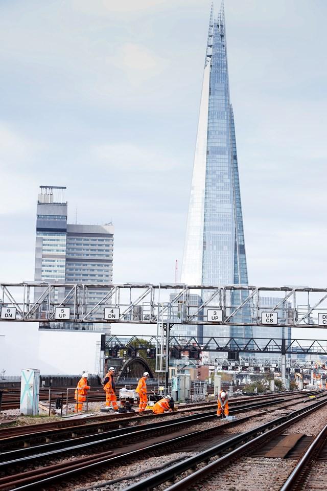 Railwork077: Network Rail engineers on the tracks near London Birdge