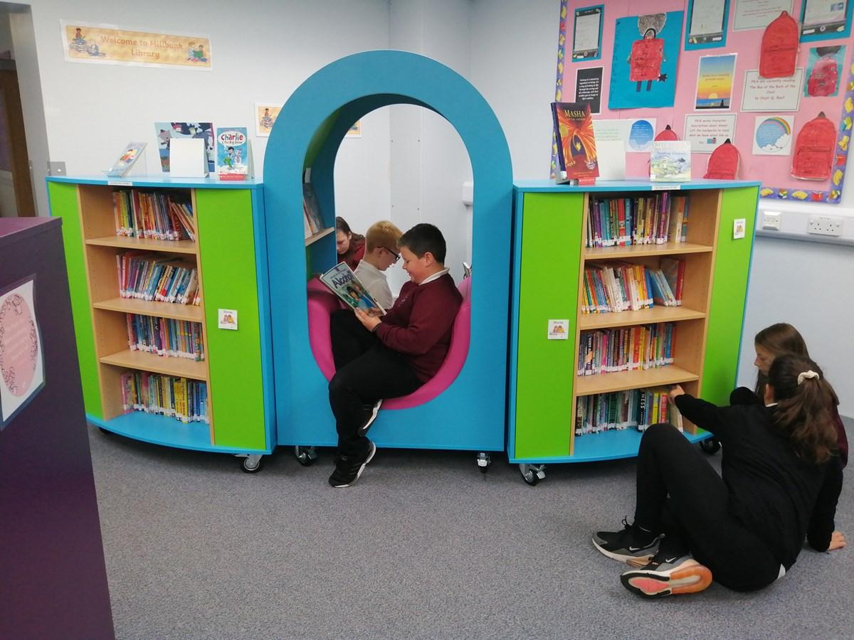 Millbank Primary School reading neuk