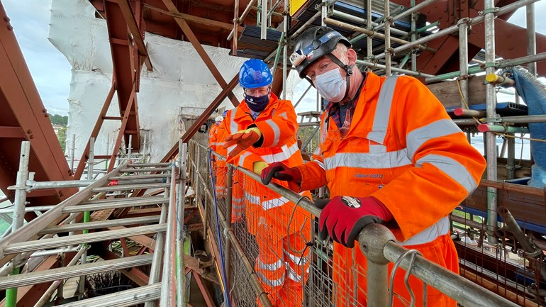 Transport Minister visits North Queensferry approach span renovation