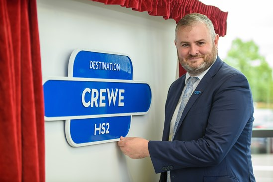 Minister in Crewe to welcome jobs boost on HS2: HS2 Minister at Crewe Railway Station