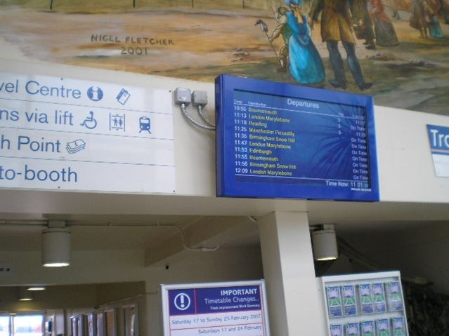 AYLESBURY, BANBURY & HIGH WYCOMBE STATIONS GET THE BIG PICTURE : Banbury Station New Customer Info Screen