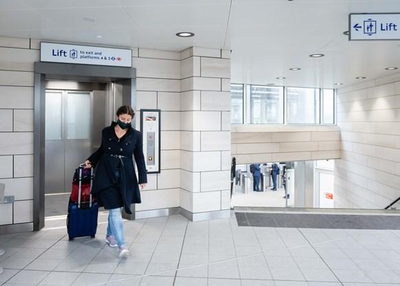 TfL Image - Hayes & Harlington station lift to platform level