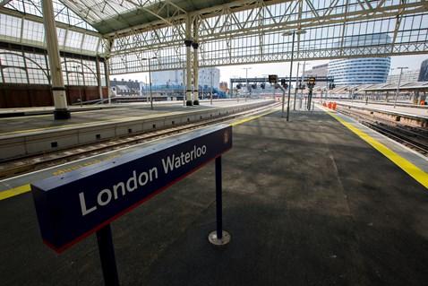 London Waterloo station-4