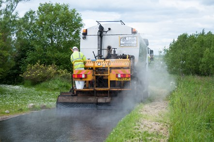 37 miles of Moray roads to be treated in surface dressing programme - beginning tomorrow: 37 miles of Moray roads to be treated in surface dressing programme - beginning tomorrow
