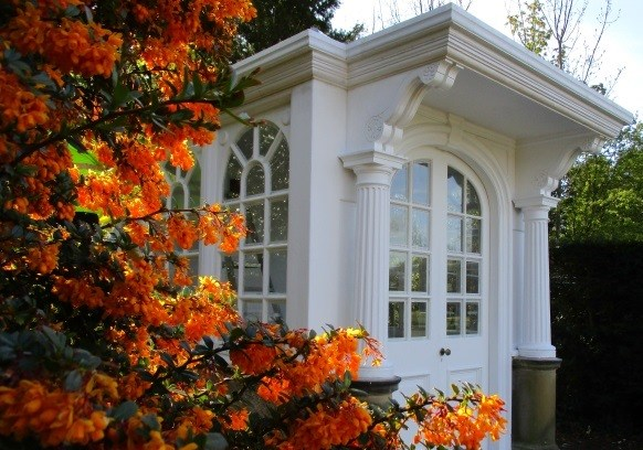 Summerhouse at Lotherton Hall reopens following restoration by 'Re-Making Leeds' trainees: summerhouse2.jpg