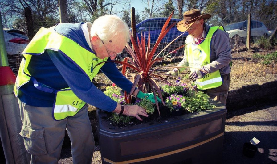 Transport for Wales launches Sustainable Development Plan: Gardening