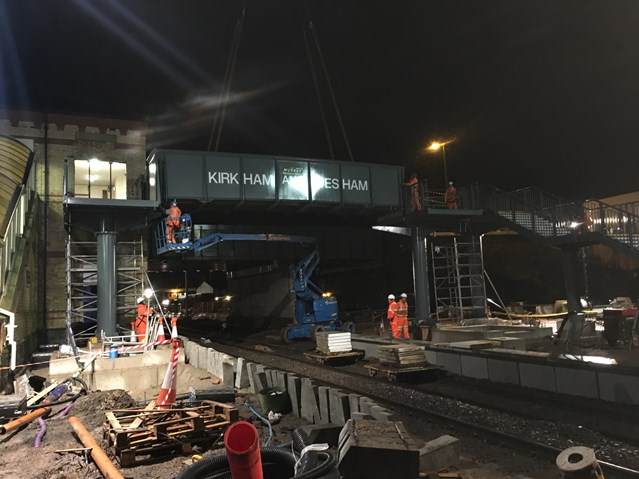 Preston to Blackpool upgrade continues as new footbridge is installed at Kirkham & Wesham station: Kirkham and Wesham bridge lift