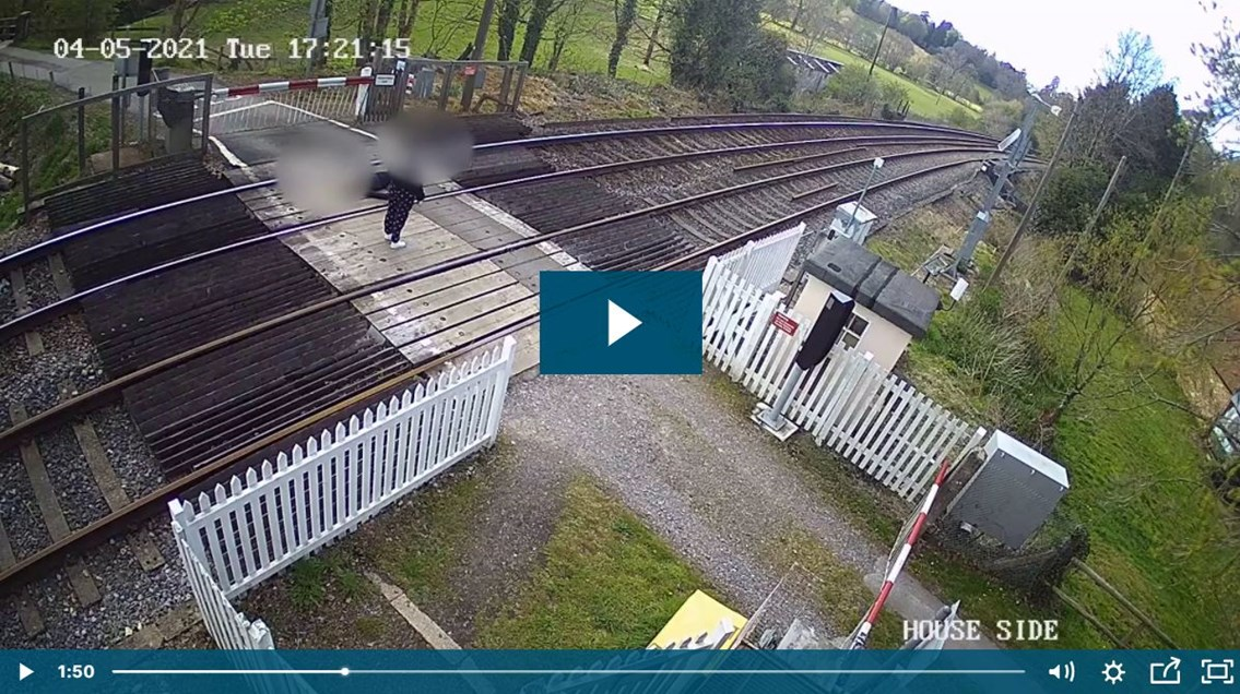 VIDEO: Warning from Network Rail as children risk lives at Sussex level crossings: Eridge CCTV Capture