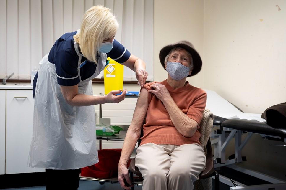 mhorwood Covid 19 Oxford-Astrazeneca Vaccine 040121 33