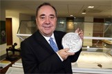 Great Seal of Scotland goes on public display: First Minister Alex Salmond with Great Seal of Scotland
