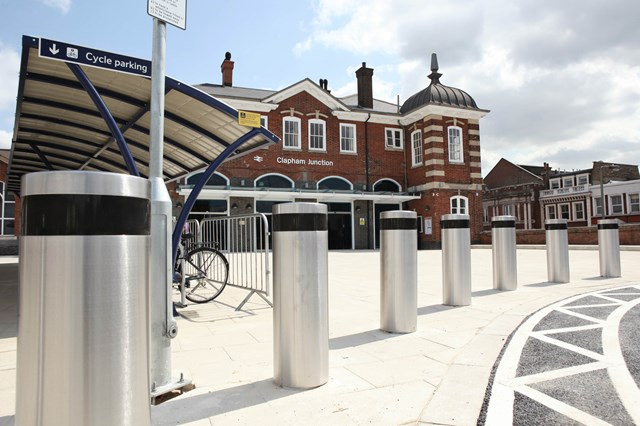 Network Rail take over Guildford and Clapham Junction stations to support future redevelopment: Clapham Junction