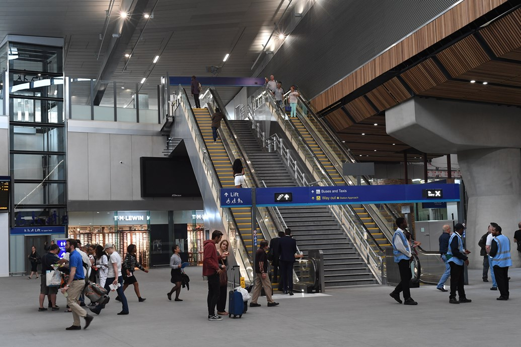 Two-thirds of new London Bridge station concourse opens: New concourse