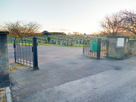 Linkwood Road entrance to Elgin Cemetery to close to vehicles on safety grounds: Linkwood Road entrance