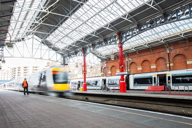 Sports fans heading to London are reminded rail services will be busier over the August bank holiday: London Marylebone station
