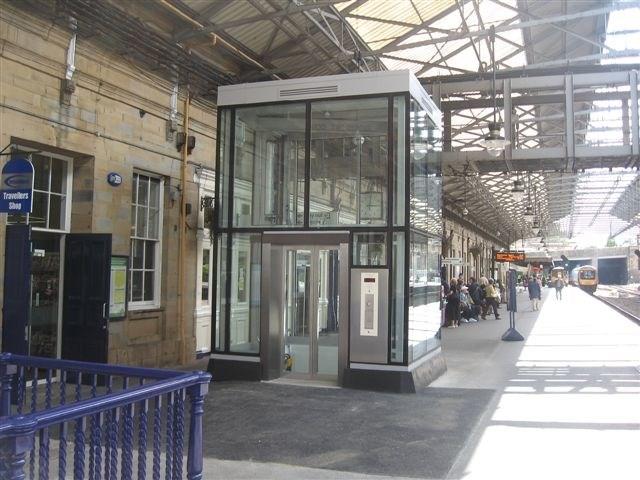 Huddersfield station_1