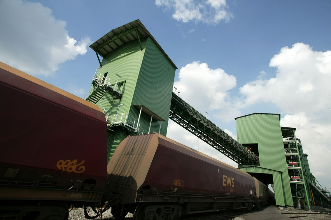 IMMINGHAM BULK LOAD RAIL BUNKERS: Immingham rapid loading rail bunkers
