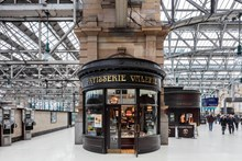 Glasgow Central - Patisserie Valerie: Glasgow Central railway station train station retail shops shopping