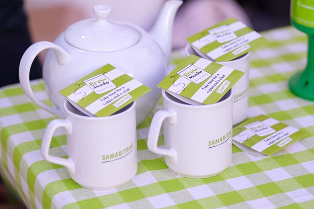 Rail staff support Samaritans to turn 'Blue Monday' around with a cuppa: In the bag: Samaritans volunteers meet commuters to raise awareness of Brew Monday