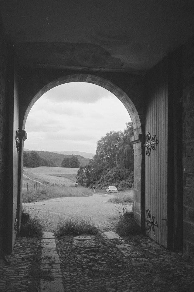 SC 1801911 - Guisachan Farm Steading, Inverness - 1983