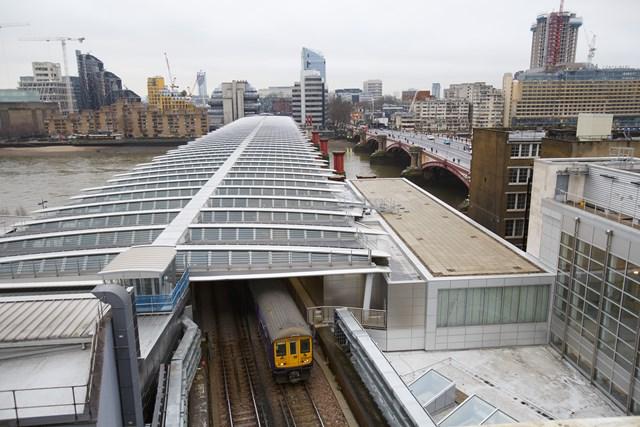 Solar bridge on roof of Blackfriars station: solar panel roofat Blackfriars station