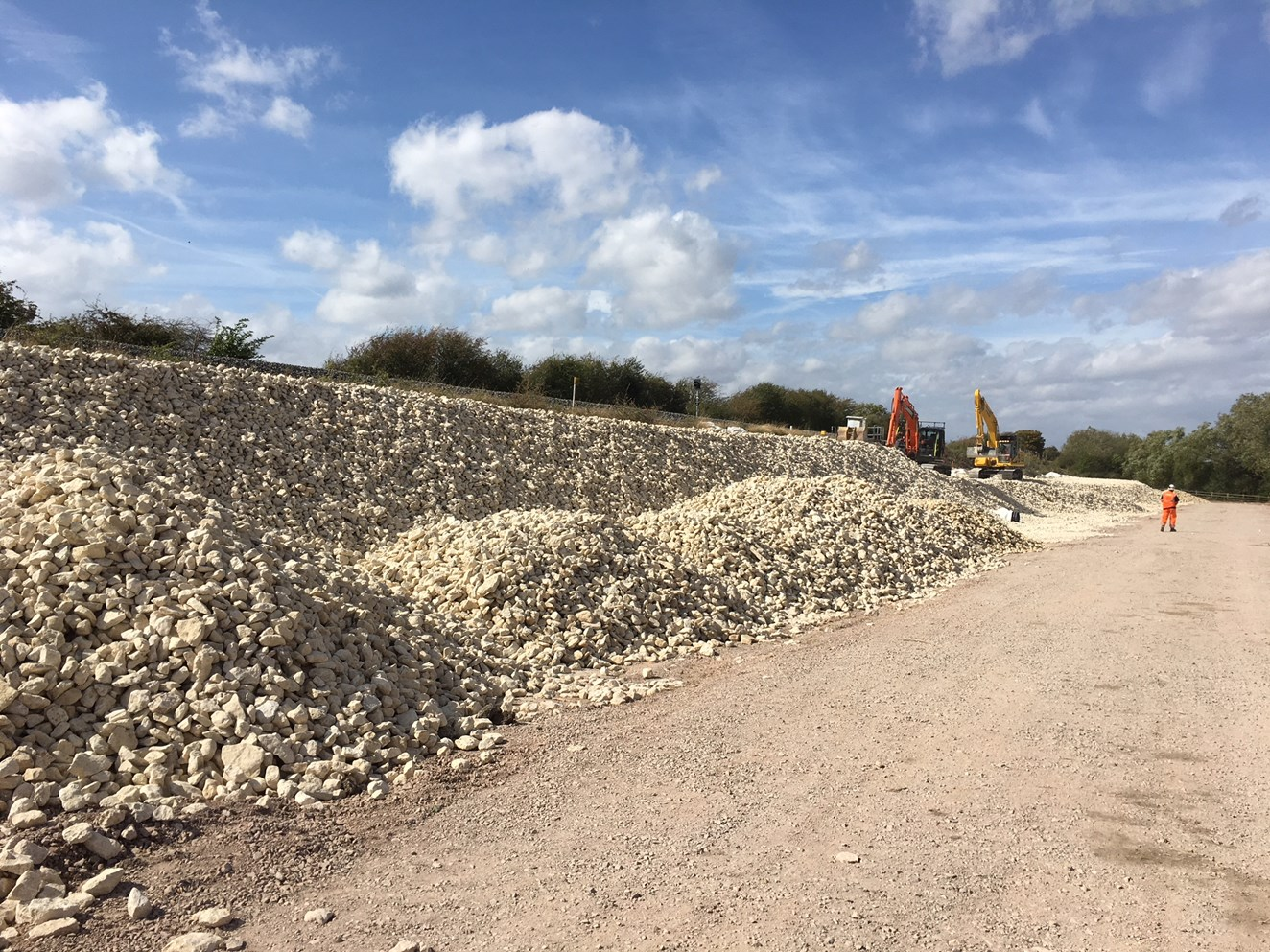 Repairs to the embankment on the Chiltern main line near Bicester