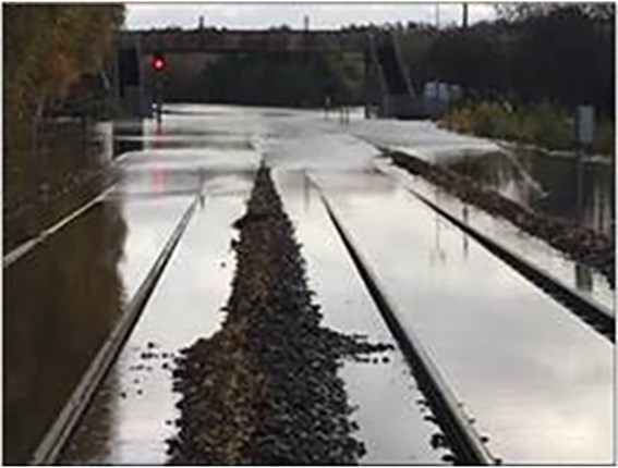 Rotherham Central to remain closed until at least Wednesday - South Yorkshire flooding update 5.45pm Monday 11 November: Flooding at Conisbrough 2