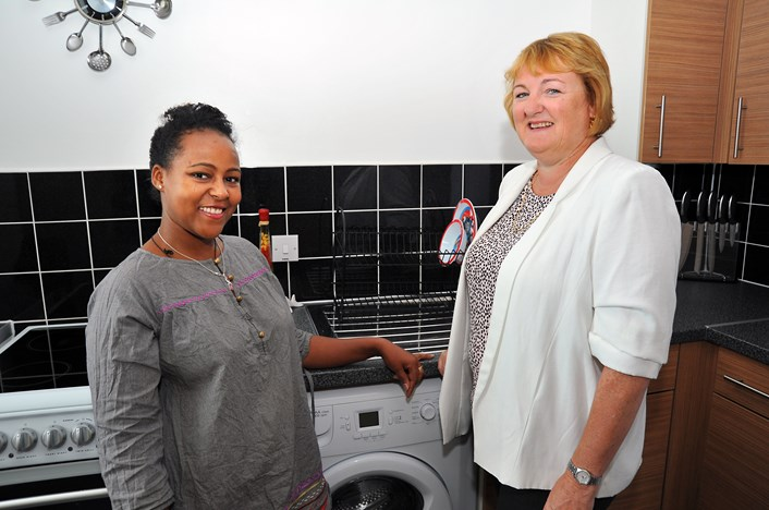 Tenant joins 999 others in housing regeneration project: dehabandcllrcoupar.jpg