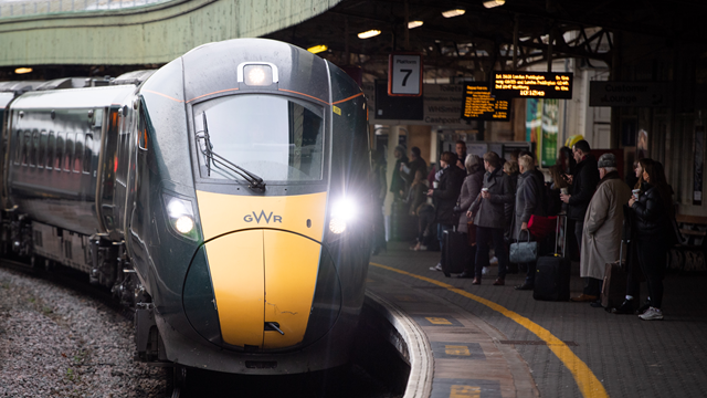 Are you travelling through Bristol this weekend?: GWR IET at Bristol Temple Meads web