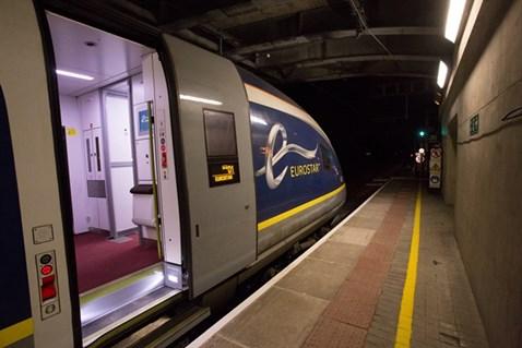 eurostar at platform
