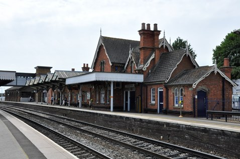 Residents in Wellingborough invited to find out more about railway upgrade over Christmas