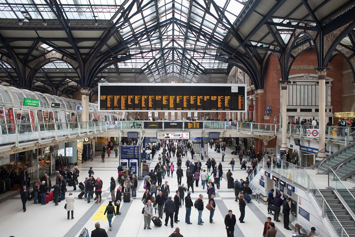 Passengers advised to prepare for disruption as heatwave arrives: London Liverpool Street station