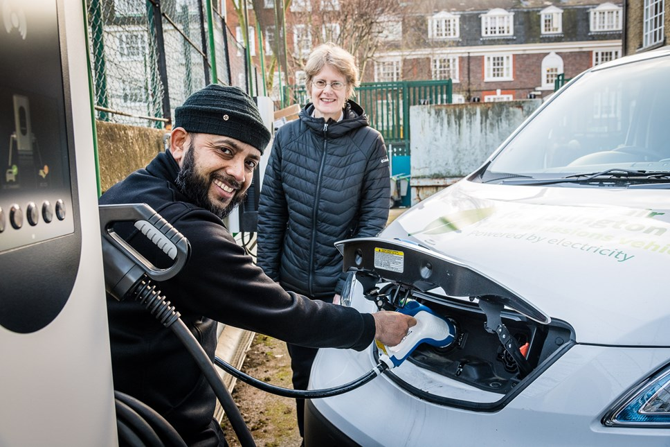 Moixa and Honda launch first stage of electric vehicle charging partnership at Islington Town Hall: Moixa charger