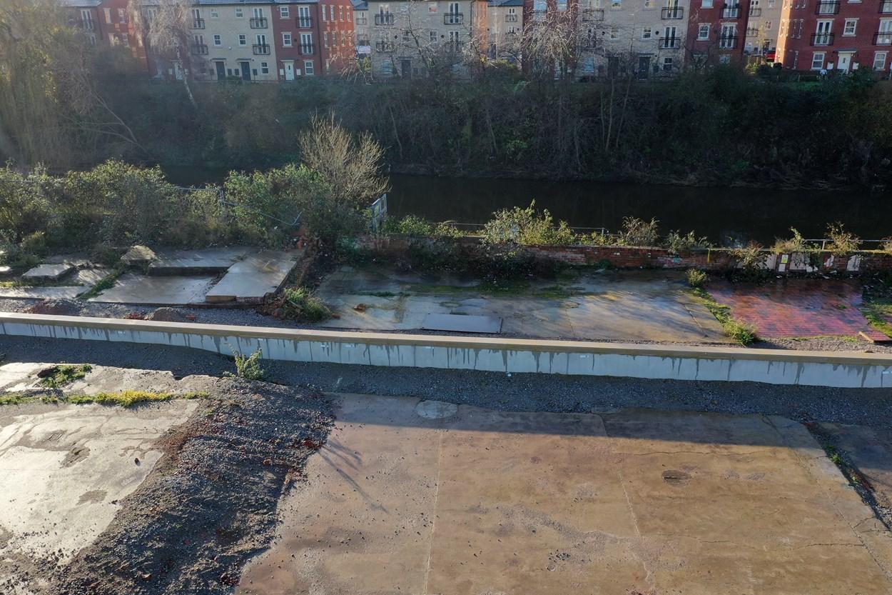 Leeds FAS2 flood walls