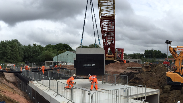 Installation of the culvert at Hinksey in 2016